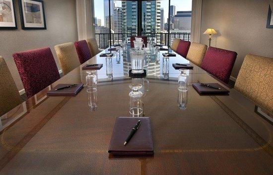 Warwick Seattle Hotel: Executive Boardroom