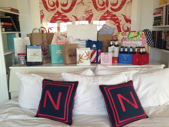 The Nantucket Hotel & Resort: Needless to say lots of GREAT shopping around the hotel!