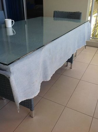 Grand Mercure Azure Sea : Never seen a denim tablecloth...lovely and clean too ;)