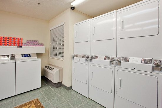Candlewood Suites - Hampton : Free use of new dryers