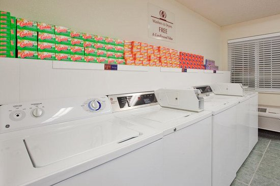 Candlewood Suites - Hampton : Free Use of Washers