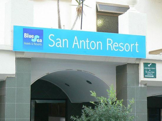 Blue Sea San Anton: Hotel entrance