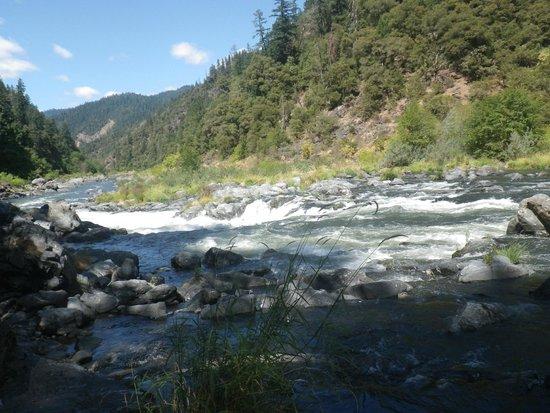 Orange Torpedo Rafting Trips: Rogue River day one