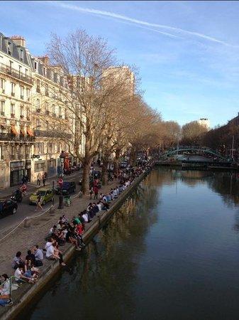 Romantic guide to paris travel guide on tripadvisor - Canal saint martin restaurant ...