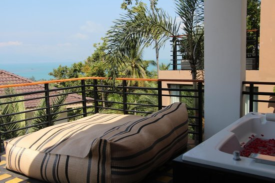 Mantra Samui Resort : The balcony in the room