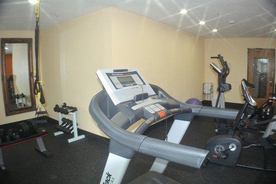 Baymont Inn & Suites Muskegon: New Exercise Room