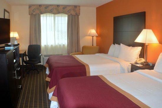 Baymont Inn & Suites Muskegon: New 2 Queen Bed Room