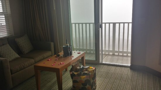 The Coho Oceanfront Lodge: Romance package upon arrival..foggy day