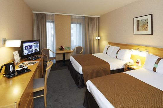 Holiday Inn Hasselt : 2 Double Beds Non Smoking