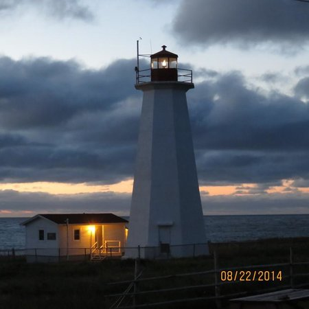 Cape Anguille Lighthouse Inn: Sunset  at Cape Anguille