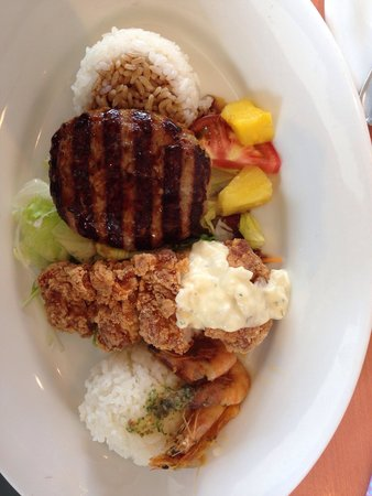 Denny's Kitakurihama : Bomboat meal. Denny's Hawaiian fair menu.