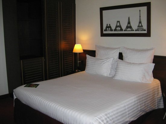 Hotel Catalogne Paris Gare Montparnasse: nice linen on bedding