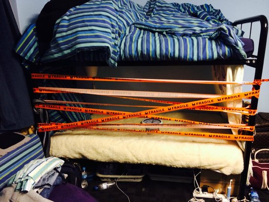 Surfside Backpackers : Someone did this to my bed!! very bad!!
