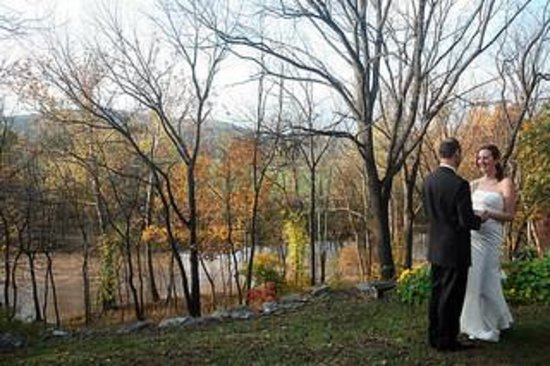 The Stone House Bed and Breakfast: Fall Wedding