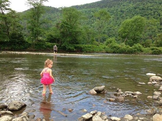 Liberty Hill Farm Inn: The river