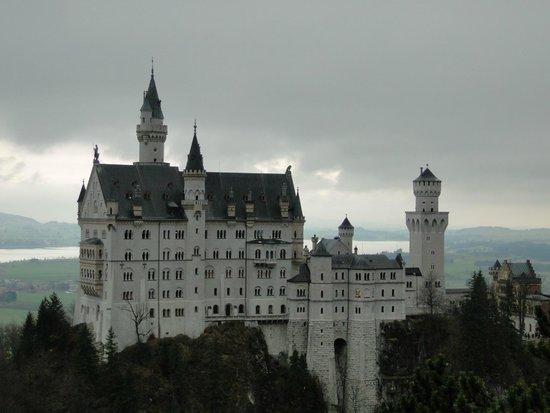 Castillo de Neuschwanstein: Vista desde el puente