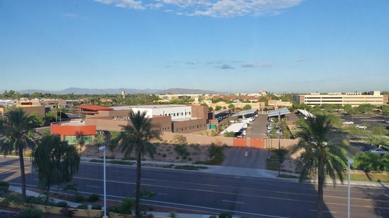 La Quinta Inn & Suites Phoenix Mesa West: Mountain views