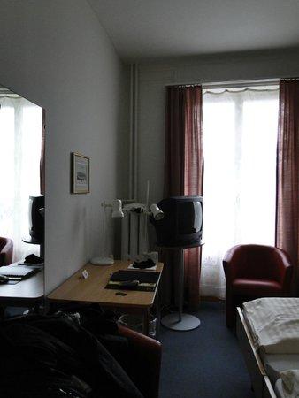 Hotel Metropole: Habitación