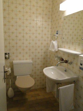 Hotel Metropole: Baño