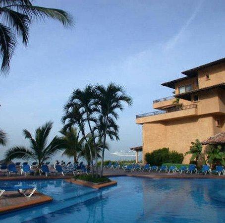 Los Tules Resort: View From Pool