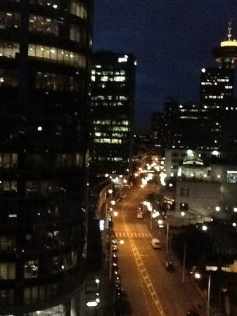 Fairmont Pacific Rim : Night view