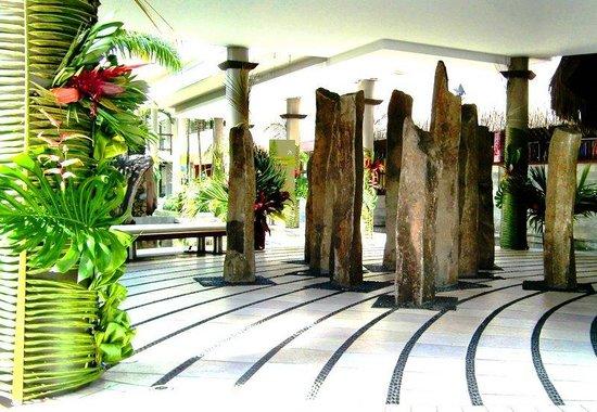 Tahiti Pearl Beach Resort: Lobby