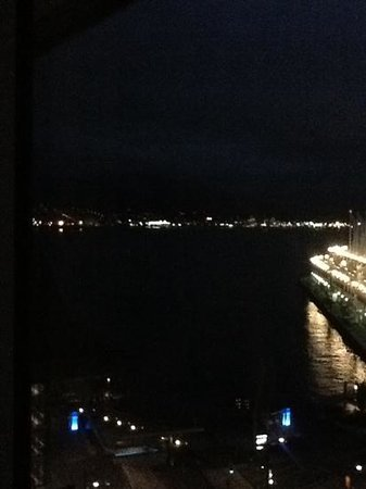 Fairmont Pacific Rim : Night harbour view
