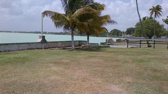 Hotel Maya: frente al hotel  la playa
