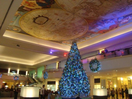 Waterfront Cebu City Hotel & Casino: wine, dine , relax
