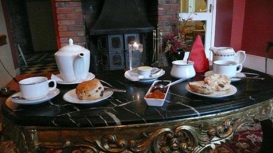 Highfield House : tea & scones