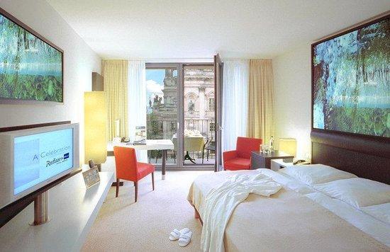 Radisson Blu Hotel, Berlin: Business Class Room
