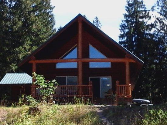 Kootenai River Outfitters: Cabin 2