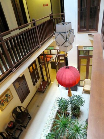 ANGGUN BOUTIQUE HOTEL: Interior courtyard.