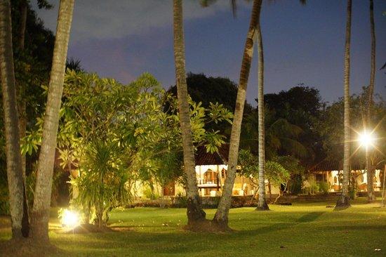 Natah Bale Villa : at night