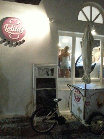 Lolita's Gelato : Front shop