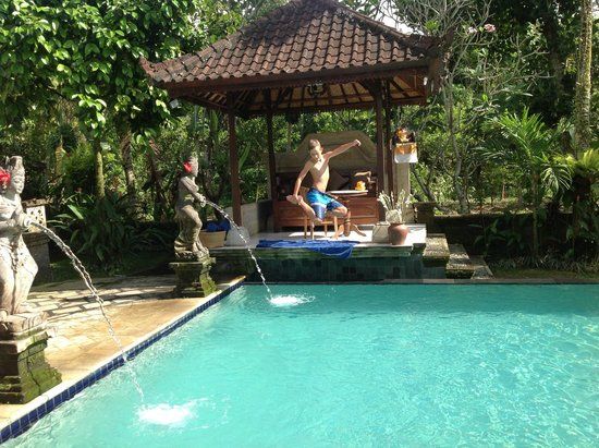 Alam Jiwa: Pool