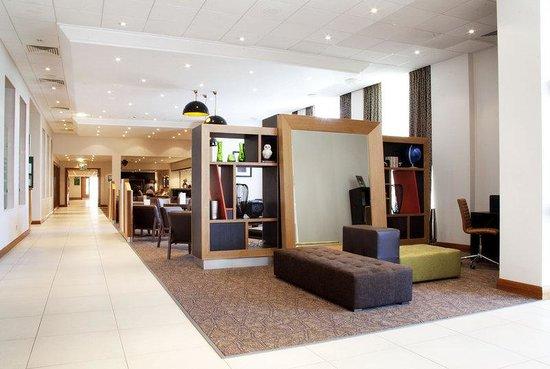 Holiday Inn Newcastle - Gosforth Park: Holiday Inn Newcastle Gosforth Park Lounge