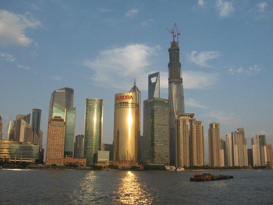 Pudong New Area: Вид с набережной Вайтань