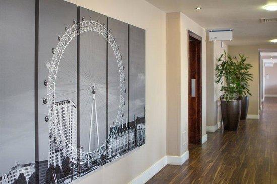 Holiday Inn Express London Royal Docks - Docklands: Elevator Lobby