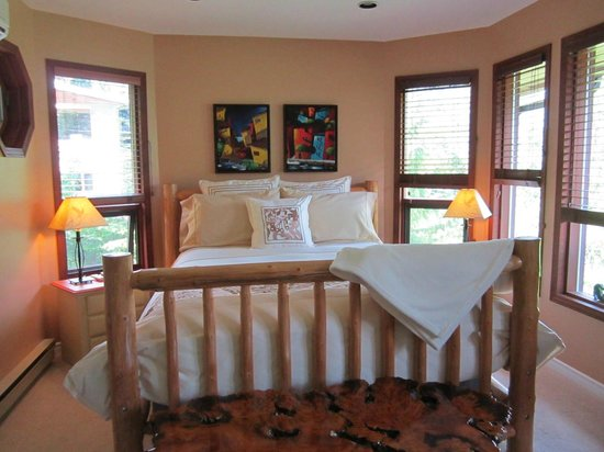Creekside B&B: Creekside Room
