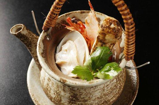 Japanese Cuisine Shimonoseki Shunpanro Tokyo: 2周年記念 土瓶蒸し