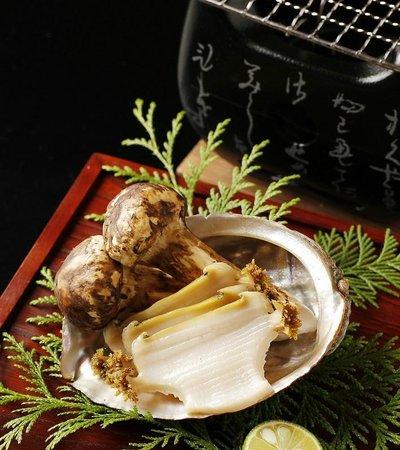 Japanese Cuisine Shimonoseki Shunpanro Tokyo: 2周年記念 松茸とあわび炭火焼き