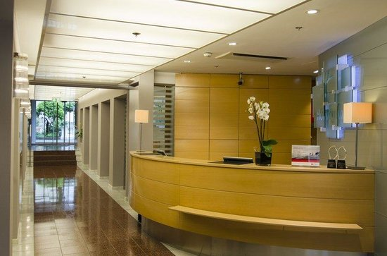 Holiday Inn Vienna City: Entrance with front desk