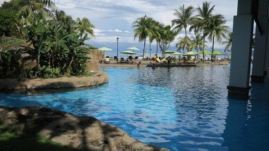 Sutera Harbour Resort (The Pacific Sutera & The Magellan Sutera): Great pool