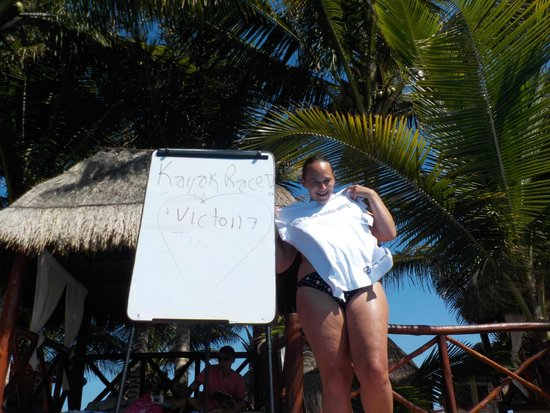 Sensimar Seaside Suites & Spa: Mrs Blazey with her prize for Pool Kayak champion