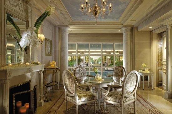 Four Seasons Hotel George V Paris : PAR health