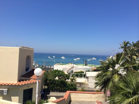 Hotel Zaro: sea view from the hotel