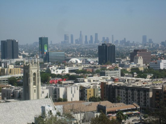 Hollywood Hills Hotel: View from room