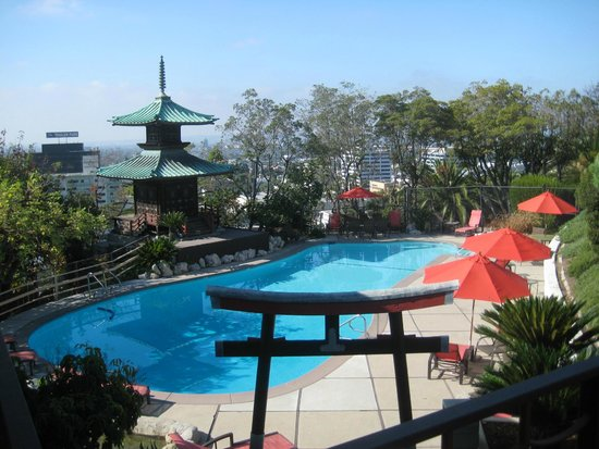 Hollywood Hills Hotel Swimming Pool