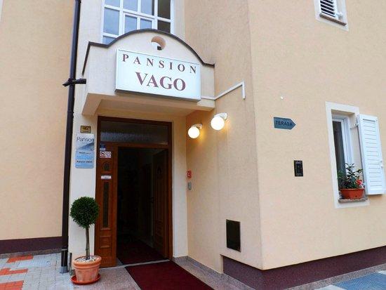 Pansion Vago